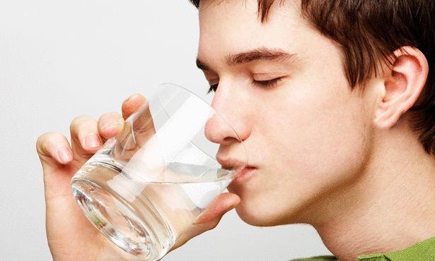 شرب الماء مضر بالصحة في الكتاب المقدس هل هذا صحيح ؟