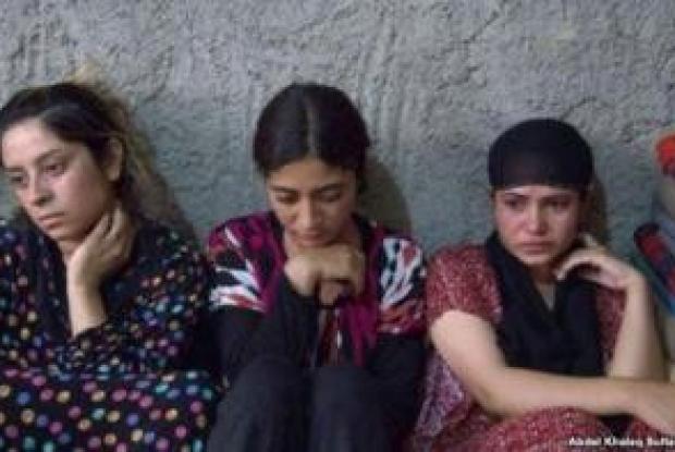 حبيسات غرف نكاح داعش.. هكذا يتم الدخول عليهن لمضاجعتهن قصص حقيقية +18