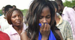 ناجون من مذبحة كينيا: قام بعض التلامذة بتلطيخ أنفسهم بدماء زملائهم القتلى والتظاهر بالإصابة لكي لا يُقتلوا