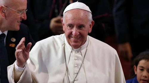 البابا فرنسيس يحذر من حرب عالمية ثالثة تستهدف إبادة مسيحيي الشرق الأوسط