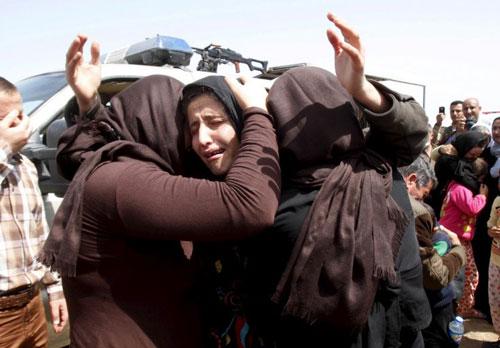 رجل أعمال كندي يشتري الفتيات المسيحيات واليزيديات من داعش لتحريرهن