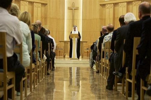 """من قلب الكنيسة .. """"الشيخ نهيان"""" للمسيحيين : """"مرحبا بكم في الإمارات .. تعلمنا منكم الكثير"""""""