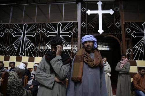 أسرة مُسلمة تذبح ابنتها بعد أن أصبحت مسيحية وتزوجت من «مسيحي» وتهجير عائلة الزوج