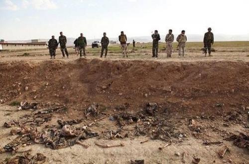 """العثور على مقبرة جماعية جديدة في سنجار تضم 123 جثة لنساء وأطفال قتلوا على أيدي """"داعش"""""""