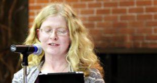 استاذة جامعية ملحدة تصبح مسيحية Holly Ordway