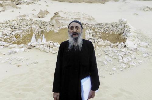 """تجديد حبس الراهب بولس الريانى 15 يوما علي ذمة التحقيقات .. والأنبا مكاريوس يتولى إدارة """"الدير المنحوت"""""""