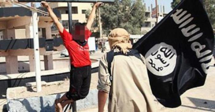 عاجل: داعش تصلب القس توماس على الطريقة الرومانية يوم الجمعة العظيمة