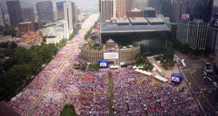 أكثر من ١٠٠ ألف كوري جنوبي اعتنقوا المسيحية