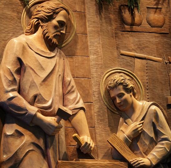 مهنة يسوع كـ نجار ؟ هل هي مهنة سيئة ؟