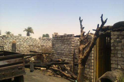المصري لحقوق الإنسان : 15 حالة تهجير عائلات وحبس وحرق منازل لمسيحيين اتهموا بازدراء الأديان