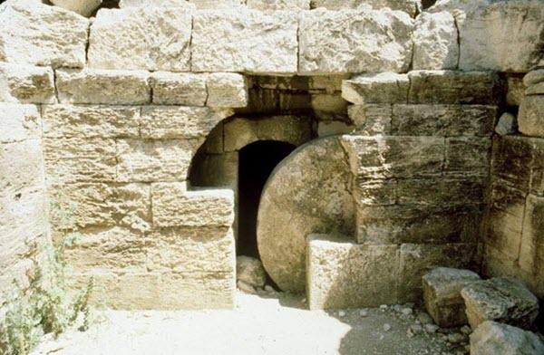 دليل يقدمه الحجر الأَصمّ – فرانك موريسون – من دحرج الحجر ؟