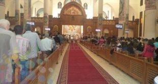 فاطمة ناعوت تحضر قدّاسًا فى كنيسة مع صديق لك، فتسمع الكاهنَ يقول لا تصافح مسلمًا