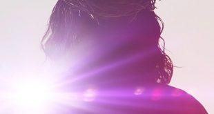 اليقين في عدم اختلاق كتبة الاناجيل حادثة القيامة ورنر والاس