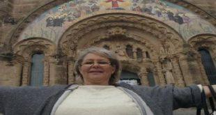 ناشطة سياسية ومؤسسة حزب تونسية تعتنق المسيحية وتثير ضجة على مواقع التواصل