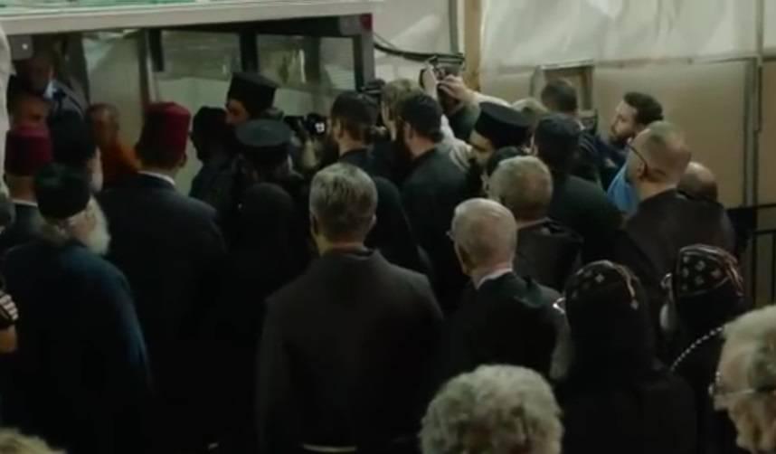 مهم جداً جداً: معلومات لا بد من قراءتها عن فيديو أصوات الأبواق التي سمعت فوق القدس لحظة العمل على فتح قبر المسيح!!!