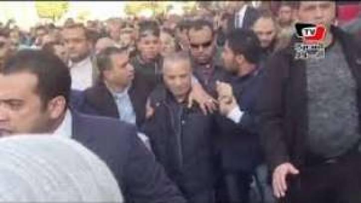 بالفيديو...طرد احمد موسى من محيط الكاتدرائية بالعباسية ويجبرونه على المغادرة