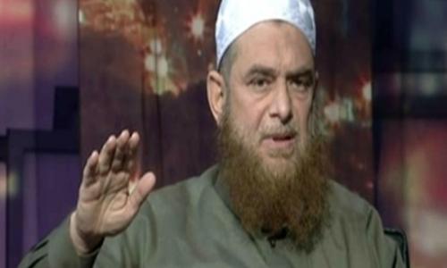 """فيديو   شيخ سلفي مهاجماً وائل الإبراشي : """"أنت مسلم ولا كافر"""" تعليقًا على ذبح المسيحي"""