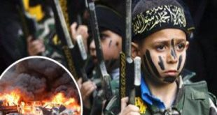 داعش يقطع أيادى طفلين رفضا تنفيذ حكم إعدام رميا بالرصاص على رجال بالموصل