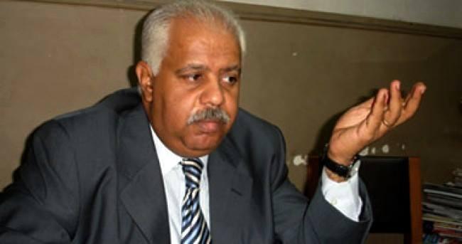حمدي رزق يرد : من أمن العقاب أساء إلى الأقباط