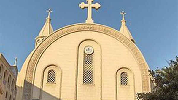 عاجل أنباء عن تفجير انتحاري نفسه أمام كنيسة في أسوان