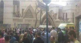 شهود عيان يروون تفاصيل انفجار الكنيسة : شخص يرتدي جاكت بني تقدم من الخلف حتى الصف الأول