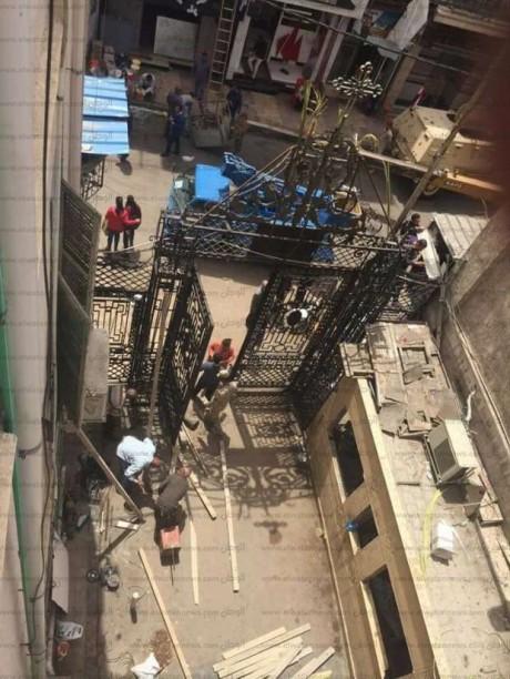 بالصور القوات المسلحة تبدأ ترميم الكنيسة المرقسية والمحال المتضررة بالإسكندرية
