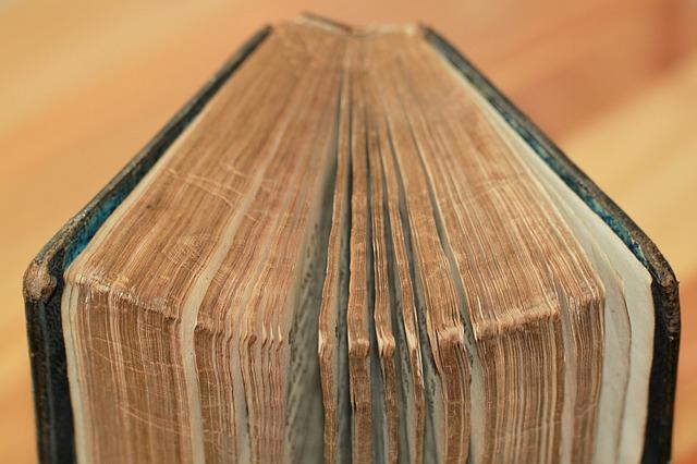 قانونية الأسفار التي يدور حولها جدل