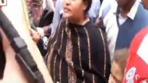 بالفيديو سيدة قبطية غاضبة في موقع انفجار طنطا حرام يا كفرة