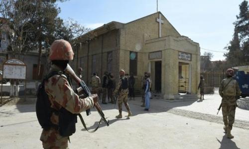 مقتل وإصابة 9 أشخاص في هجوم لـ«داعش» على كنيسة بباكستان