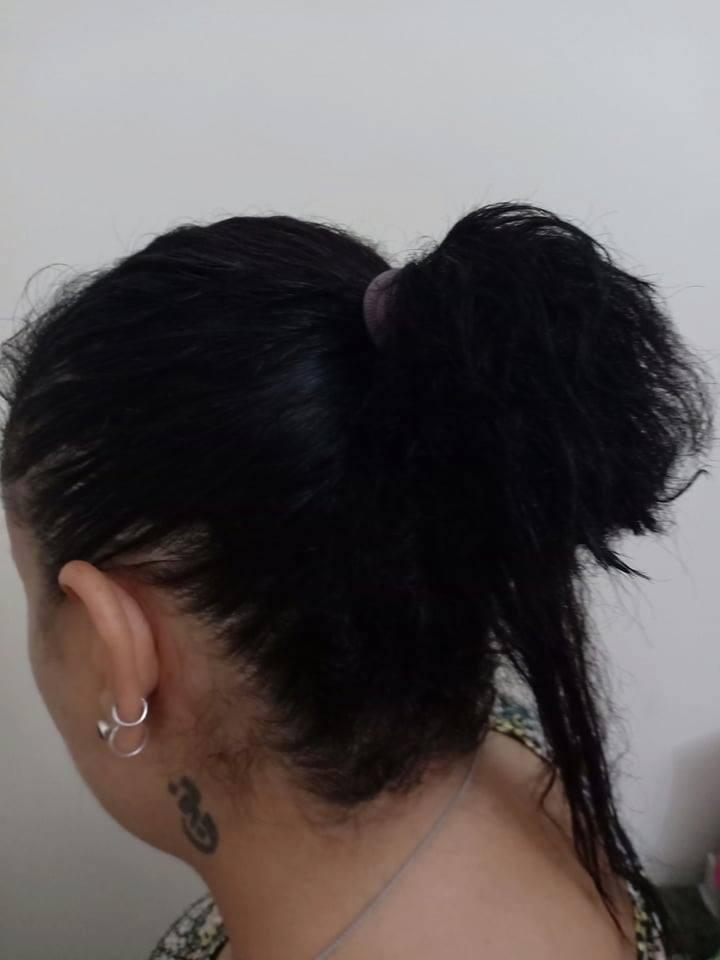 فتاة مسيحية تتعرض لقص شعرها في مترو الأنفاق