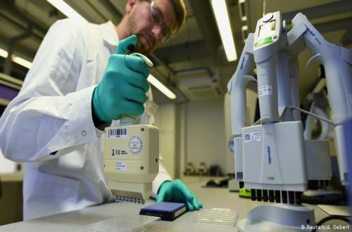 جامعة موناش الأسترالية تُعلن اكتشاف دواء يقضى على نمو فيروس كورونا خلال 48 ساعة