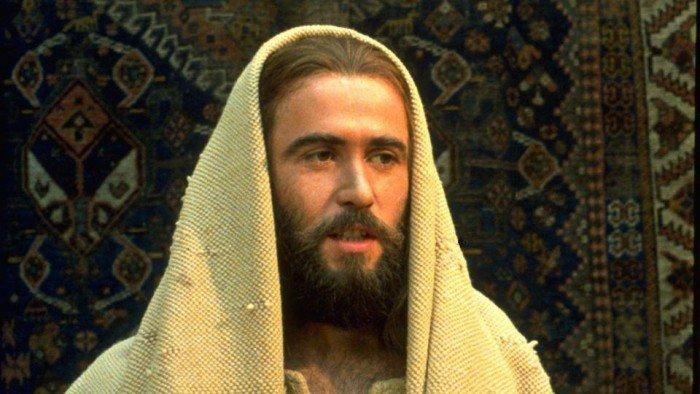هل نبوة أشعياء 53 عن المسيح أم عن إسرائيل؟ الرد من المصادر اليهودية