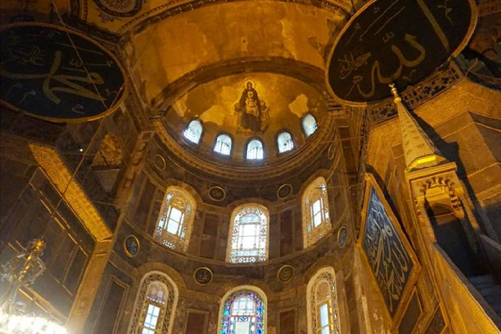 رسميا.. تركيا: سنحول كنيسة آيا صوفيا إلى مسجد خلال 15 يوما.. وأمريكا تحذر من المساس بها