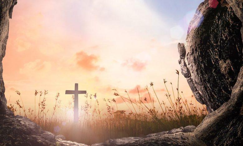 تناقضات القيامة - كم عدد زيارات النساء للقبر؟ هل كان الحجر مدحرجاً؟ رجل ام ملائكة؟